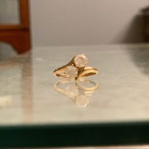 Jewelry - 10ct gold cubic zirconia ring